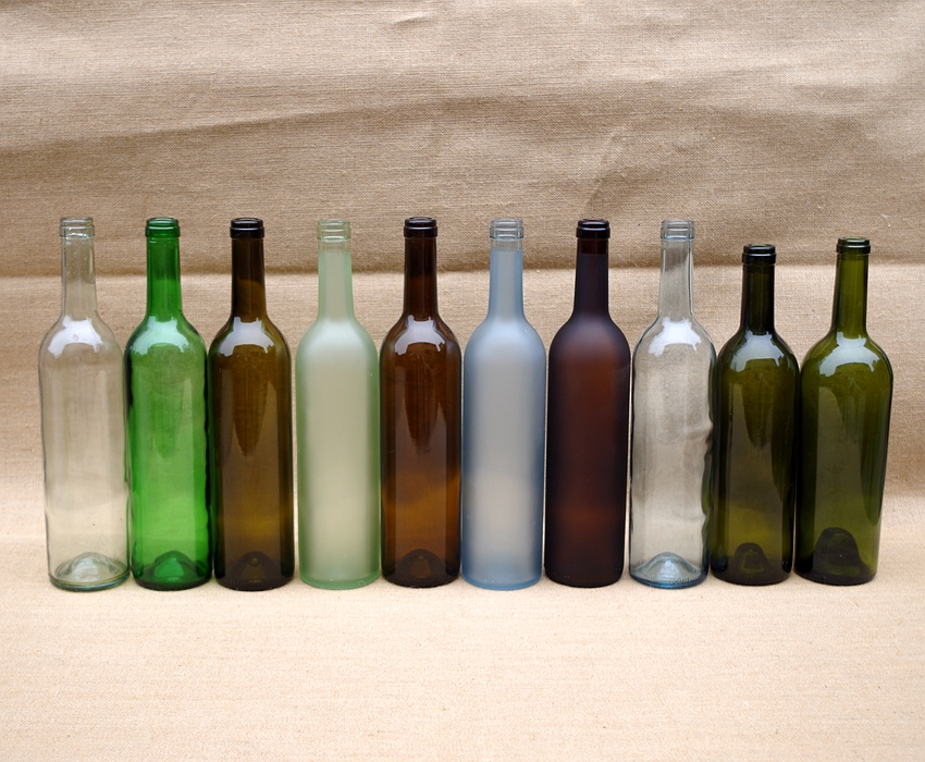 different color wine bottle